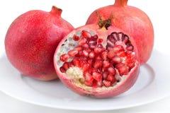 Frische reife saftige Granatapfelfrucht Lizenzfreie Stockbilder