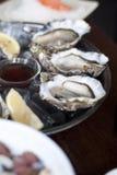 Frische rohe Austern Stockbild