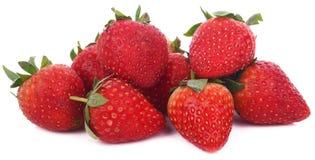 Frische rote Erdbeeren getrennt auf weißem Hintergrund lizenzfreie stockbilder