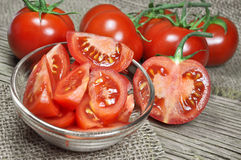 Frische rote Tomaten stockfotos