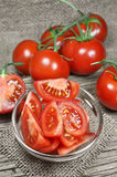 Frische rote Tomaten lizenzfreie stockbilder