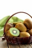 Frische süße reife Kiwi der Frucht Stockbilder