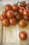 Frische saftige rote Kirschtomaten Lizenzfreie Stockbilder