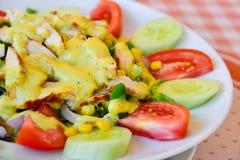 Frische Salatplattennahaufnahme stockfotografie