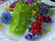 Frische Salatschneeerbsen lizenzfreie stockfotos