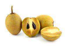 Frische Sapotillbaumfrüchte Lizenzfreie Stockbilder