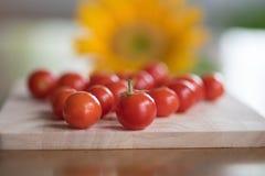 Frische selbstgezogene Tomaten des Gartens Lizenzfreie Stockfotos