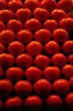 Frische Tomaten auf Bildschirmanzeige an einem Markt in Spanien Stockbilder
