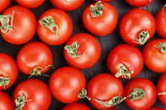Frische Tomaten Es kann als Hintergrund verwendet werden Selektiver Fokus Lizenzfreie Stockfotografie