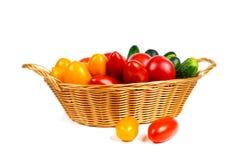 Frische Tomaten und Gurken Lizenzfreies Stockfoto