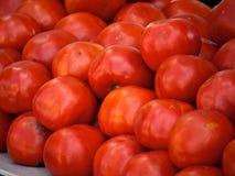 Frische Tomaten vom Markt Stockfotos