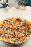 Frische und heiße Pizza Stockfotos