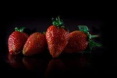 Frische und saftige Erdbeeren Stockbild