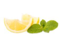 Frische Zitronen und Minze Lizenzfreie Stockfotos
