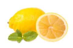 Frische Zitronen und Minze Stockfoto