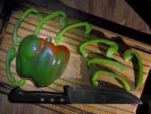 Frische Zwiebeln und Paprika stockfoto