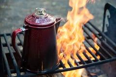 Frischer Brauenlager-Feuer-Kaffee lizenzfreies stockfoto