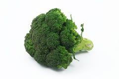 Frischer Brokkoli lokalisiert auf Weiß Lizenzfreie Stockfotos