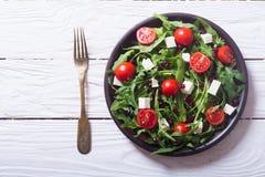 Frischer Frühlingssalat mit rucola stockfotos