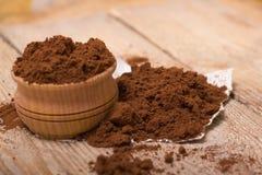 Frischer gemahlener Kaffee Lizenzfreie Stockfotos