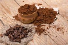 Frischer gemahlener Kaffee Stockbild