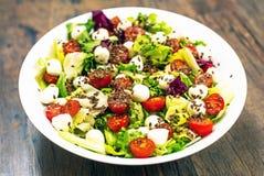 Frischer gesunder Salat lizenzfreies stockfoto