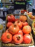 Frischer großer saftiger Granatapfel Lizenzfreie Stockfotografie