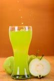 Frischer Guavensaft und -spalte Lizenzfreies Stockbild