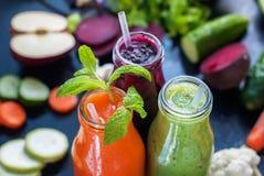 Frischer Juice Smoothie Color Vegetables Bottles stockfotos