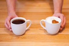 Frischer Kaffee mit Liebe Stockfotos