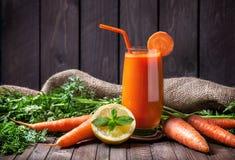 Frischer Karottensaft Lizenzfreies Stockbild