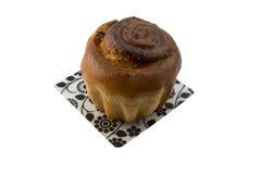 Frischer kleiner Kuchen mit Rosinen lizenzfreies stockbild