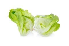 Frischer Kopfsalat auf weißem Hintergrund Lizenzfreie Stockfotos
