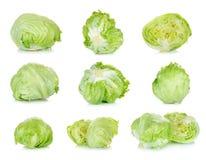 Frischer Kopfsalat lokalisiert auf dem weißen Hintergrund Lizenzfreie Stockfotos