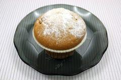 Frischer Kuchen auf einer Tabelle Stockfotos