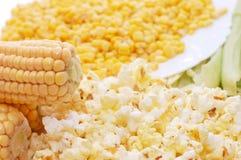 Frischer Mais, konservierter Mais und Popcorn Lizenzfreies Stockbild