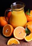 Frischer natürlicher Orangensaft stockfotos