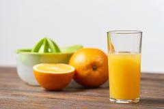 Frischer Orangensaft stockbild