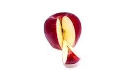 Frischer roter Apfel trennte Stockfoto