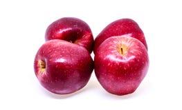 Frischer roter Apfel trennte Stockfotos