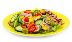 Frischer Salat lokalisiert auf Weiß Lizenzfreie Stockfotografie