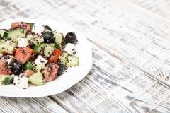 Frischer Salat mit schwarzer Quinoa, Tomaten, Gurken und Feta chee Lizenzfreie Stockfotografie