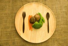 Frischer shitake Pilz, Brokkoli und grüne Erbse Stockfotografie