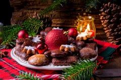 Frischer und geschmackvoller Weihnachtslebkuchen lizenzfreies stockfoto