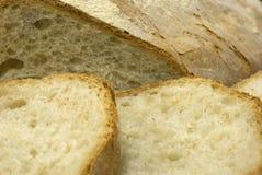 Frisches geschnittenes italienisches Brot Stockbilder