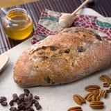 Frisches Handwerker-Brot Stockfotografie