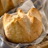 Frisches Handwerker-Brot Lizenzfreie Stockfotos