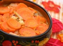 Frisches Karotteneintopfgericht Stockfoto