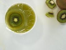 Frisches Kiwifruchtsaftspritzen Lizenzfreies Stockbild