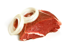 Frisches rohes Rindfleischfleisch mit Zwiebel lizenzfreies stockbild